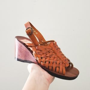 DEADSTOCK Vintage 1960s 1970s Brown Leather Wedges